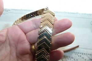 JEWELLERY LOVELY TAN LEATHER BELT WITH GOLD TONE METAL CHEVRON DESIGN 1001