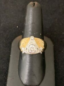 Vintage Mens Masonic Ring 14K Yellow Gold CZ