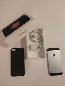 iPhone SE 32GB Apple Gray Silver Unlocked ATT Smartphone 1st-Gen