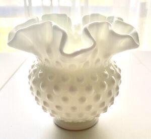 Vintage Retro FENTON Milk Glass Hob Nail Ruffle Edge Top Small Vase