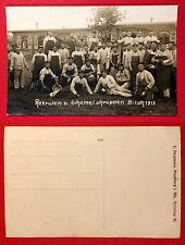 Militär Foto AK BITSCH 1913 Rekruten beim Schemel schruppen     ( 7963