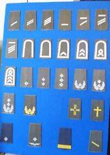 Bundeswehr:Musterplatte mit 26 verschiedenen Rangschlaufen