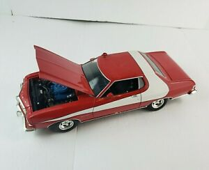 1/18 ERTL American Muscle - Starsky and Hutch - 1976 Ford Gran Torino Red White