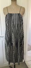 WAREHOUSE black/white scribble stripe print pleated A line summer dress size 16