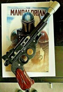 1:1 Scale Mandalorian Blaster + Stand Cosplay/Prop/Collectable