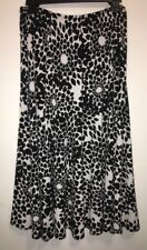 Tailor B. Moss Black And White Floral Skirt. Ladies Size M Medium
