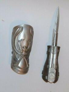 Assassin's Creed Brotherhood. Ezio,s Hidden Blade. Role-play Gauntlet. Neca.