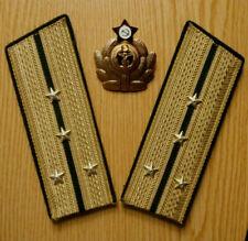 Russische sowjetische Schultergurte des Oberleutnants und Cockarde der Marine