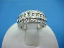 PLATINUM 15.4 GRAMS 0.75 CT T.W. DIAMOND WEDDING-ANNIVERSARY RING 8.25 MM WIDE