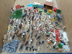 Large Lot of Plastic Farm Animals, Buildings Including lots of Britain's (Box.3)