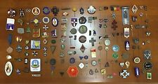 OLD ANTIQUE 135 PCS LOT DIFFERENT PIN PINBACKS BADGE RELIGIOUS LOGO ADVERTISMENT