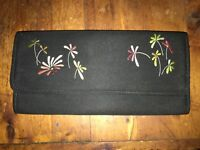 Unbranded women black fabric with embroidered flowers snap closure clutch purse