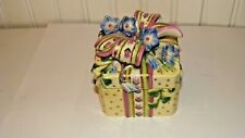 Fitz & Floyd Essentials Handcrafted Ceramic/Porcelain Trinket Box