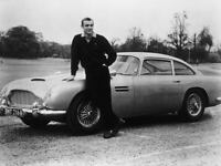 G8466 Sean Connery with 007s Aston Martin Vintage Old Photo Laminated Poster DE