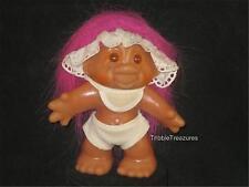 """5"""" 1986 DAM BABY TROLL PINK HAIR, BIB, LACE VISOR, WHITE DIAPER/SHORTS! V567"""