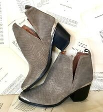Jeffrey Campbell Suede Boots taupe Textured Hunt The Plains 10 NEW