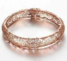 FUTURE CRYSTAL BANGLE BRACELET ROSE GOLD MADE WITH CRYSTALS
