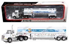 First Gear 1:64 International 8600 Series Tanker Gulf Oil Semi Trucks 69-0290