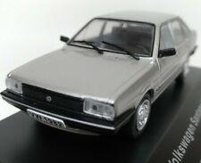 Voiture miniature 1/43 Volkswagen Santana de 1982 Ixo/boîte vitrine
