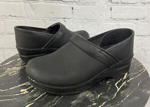 Dansko Oiled Black Leather Professional Closed Back Clogs Sz 38 / 7.5  8