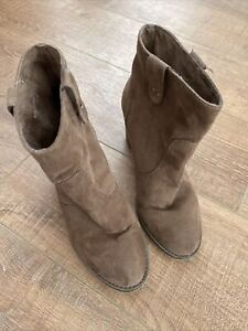 Forever21 Tan Heeled Boots Size UK 4/EUR 36 Good Condition