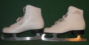 Girl's White Lake Placid Figure Skates Size 3 RWTUV Geprüfte Sicherheit GS 220