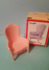 HELLO KITTY DOLL HOUSE FURNITURE   CHAIR WITH BOX