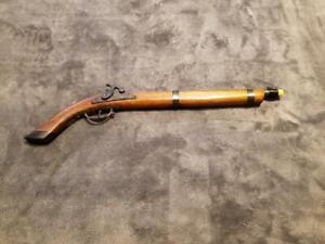 VINTAGE BLACK POWDER FLINTLOCK STYLE WOODEN TOY CAP GUN PISTOL MUSKET - 1940'S
