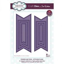 Sue Wilson Cadres et tags Cousu Drapeaux Découpe Set-New CED4317 8 matrices