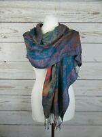 Echarpe en soie à motif cachemire en très bon état, taille 160/35 cm