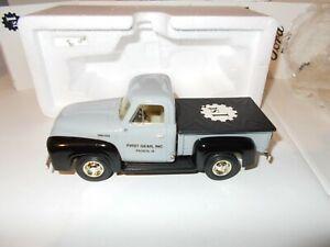 1995 First Gear Collectors Club 1953 Ford Pick-up Truck 19-0006  1/34 NIB