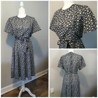 Vintage size Medium Dress 60s  housewife Secretary floral