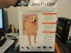 PetSafe Premium Satin Classic Pet Door Medium Pets up to 40 lbs NOS AK10-201-11