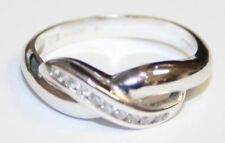 Very Pretty 18ct White Gold Diamond Set Cross Over Ring 'Infinity' Size M