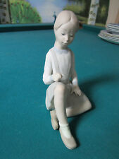 "Lladro Sitting Girl 7 1/2"" [*Faces]"