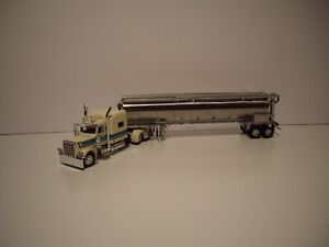 DCP 1/64 WHITE&TURQUOISE PETE 389 W/T SLEEPER&TANDEM AXLE WALINGA FEED TRAILER