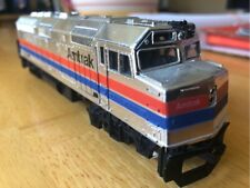 LIFE-LIKE PRODUCTS - F40 AMTRAK #229 Powered Diesel Locomotive Train HO Scale