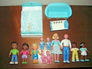 VINTAGE FISHER PRICE LOVING FAMILY DOLLHOUSE PEOPLE & FURNITURE