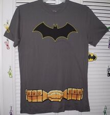 BATMAN LOGO LICENSED T-SHIRT with DETACHABLE CAPE M NEW WITH TAG!