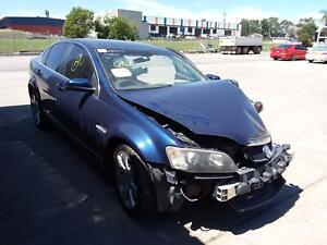 HOLDEN COMMODORE RIGHT DOOR MIRROR VE, CALAIS V, HEATED, W/ PUDDLE LAMP TYPE,