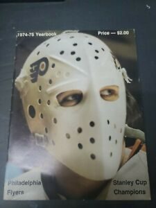 PHILADELPHIA FLYERS - 1974-75 YEARBOOK - STANLEY CUP CHAMPIONS - NHL HOCKEY