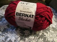 NEW BERNAT BLANKET Crimson Dark Red Yarn 300 g Polyester Super Bulky 10786