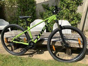 "Trek Marlin 5 mountain bike 17.5 Inch Frame 29"" Tyres"