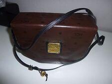 HCL-Hand crafted Leathergoods-Schultertasche mit HCL Motiv dunkelbraun -kastig