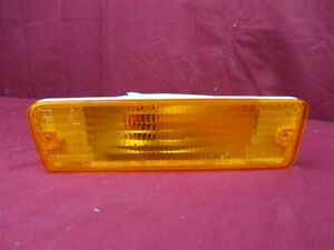 NOS OEM Chrysler Le Baron, Plymouth Caravelle Parking Lamp 1986 - 88 Right Hand