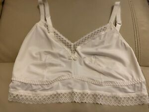 Lovely BNWT M&S texture & lace non padded non wired bralets size: 18