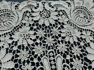 """ANTIQUE Beautiful Vintage Brussels mixed Lace Rhomboid Tablecloth Runner 17""""/11"""""""