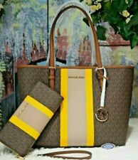 NWT MICHAEL KORS JET SET TRAVEL MEDIUM Carryall TOTE + WALLET In BROWN MK PVC