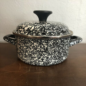 Chefs Atelier Speckled 1.5 Qt Enameled Steel Cooking Pot With Lid black/white