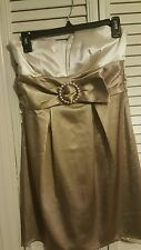 Euc Trixxi Clothing Co. Cocktail/ Evening/Prom/ Bridal Dress Size 5 gold/beige